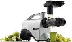 Omega NC800 Juices a wide variety of fruits and vegetables.